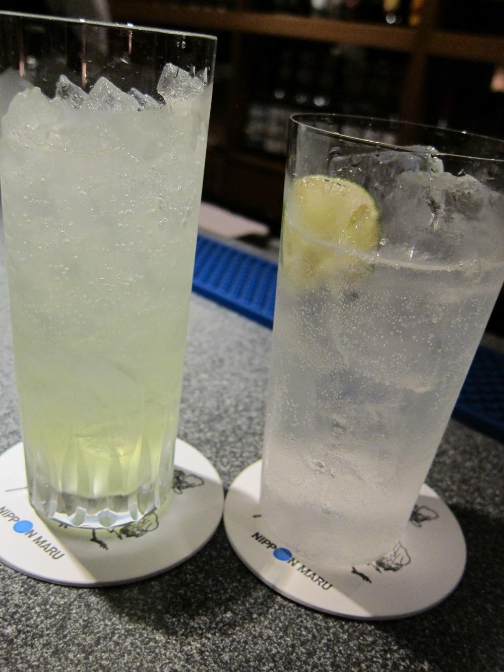 にっぽん丸-バーでレモンスカッシュ?