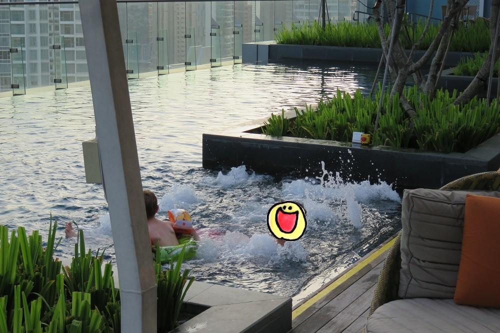 シンガポール2016-Hotel Jenプール4ジャグジー