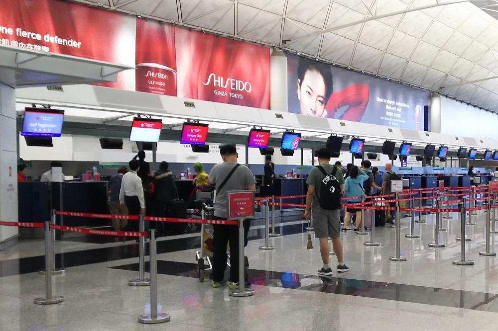 香港航空カウンター