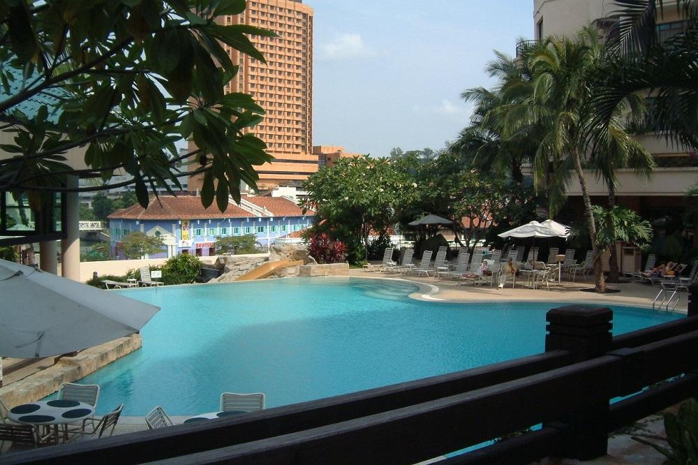 マーチャントコートホテルのプール